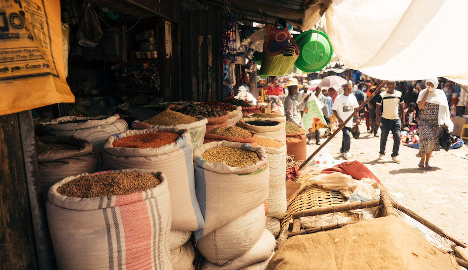 Variety of products at Ethiopian market stall © Welthungerhilfe